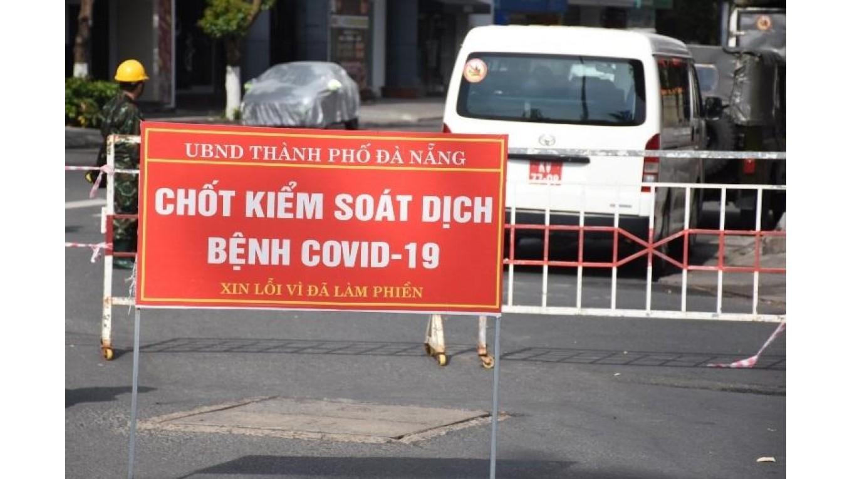 Hà Nội: Từ Đà Nẵng về, một người mắc COVID-19 bị khó thở, tức ngực