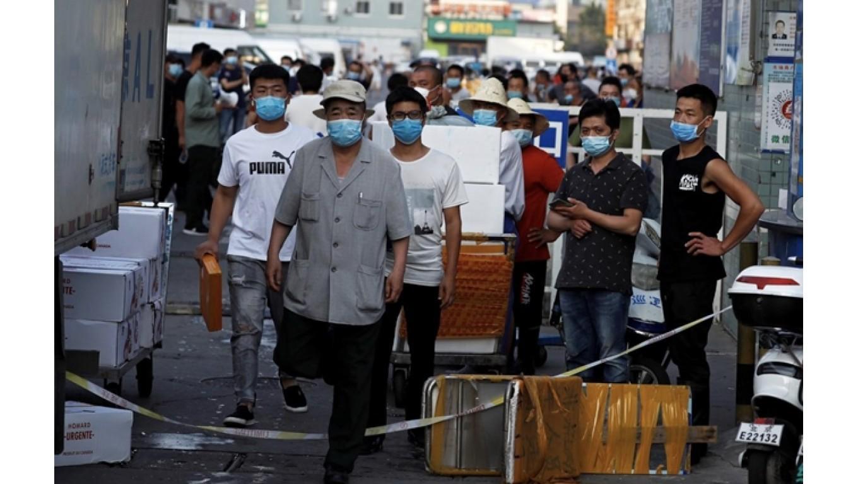 Bắc Kinh phong tỏa, dập ổ dịch Covid-19 mới xuất hiện tại khu chợ buôn bán thực phẩm