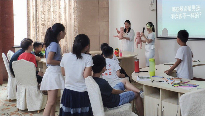 Lớp giáo dục giới tính cho trẻ tiểu học ở Trung Quốc: Trẻ được dạy sinh động về bộ phận sinh dục, quan hệ tình dục và cách ngăn chặn ấu dâm