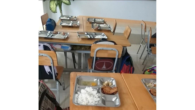 Tôi đã ý kiến với trường Hàm Thắng 2 cả năm nay về việc bớt khẩu phần ăn học trò