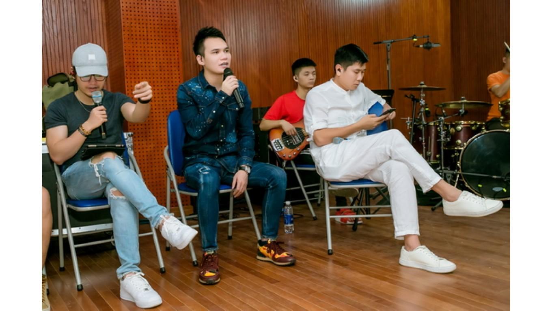Hồ Hoài Anh, Khắc Hưng - Khắc Việt miệt mài tập luyện trước thềm liveshow